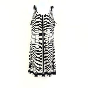 Robbie Bee Black/White Print Shift Dress
